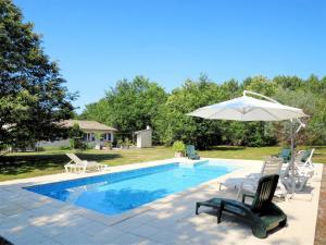 Ferienhaus mit Pool Hopital 100S