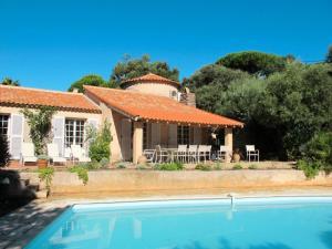 Ferienhaus mit Pool Ste Maxime 185S