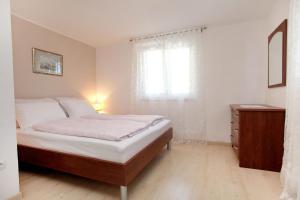 Apartment Eva, Ferienwohnungen  Trogir - big - 12