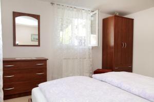 Apartment Eva, Ferienwohnungen  Trogir - big - 14