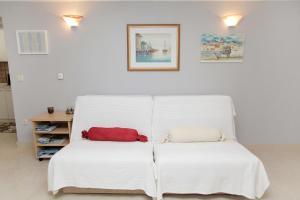 Apartment Eva, Ferienwohnungen  Trogir - big - 9