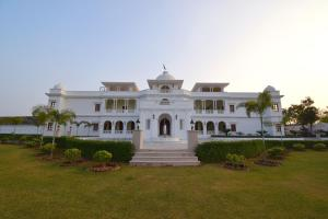 Umaid Farm Resort-A Legacy Vintage Stay in Jaipur photos