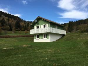Location gîte, chambres d'hotes La Bresse Hautes Vosges Chalet le Paiquis dans le département Vosges 88