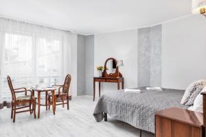 Apartamenty Awangardia Kasprowicza by Renters
