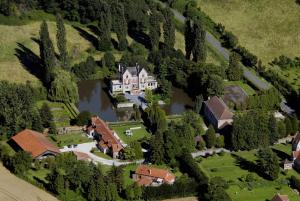 Location gîte, chambres d'hotes Chateau de Quesmy dans le département Oise 60