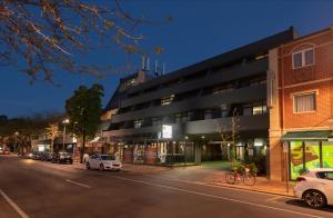 Comfort Hotel Adelaide Meridien