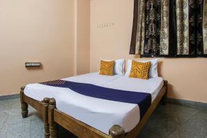 SPOT ON 67094 Sri Lakshmicomforts photos