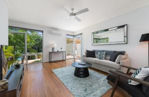 Deluxe Unit with Pool, Parking and Gym near Beaches