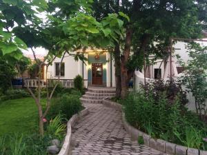 Клуб-отель Стрелец, Бишкек