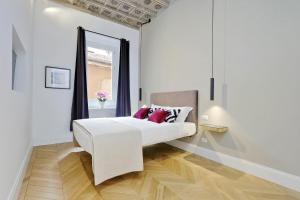 EVE Guest House at Trevi Fountain - abcRoma.com