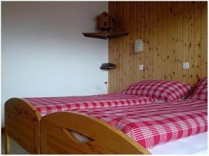 Pension Kastel, Bed and breakfasts  Zeneggen - big - 9