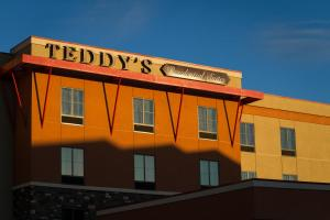 Teddy's Residential Suites New..