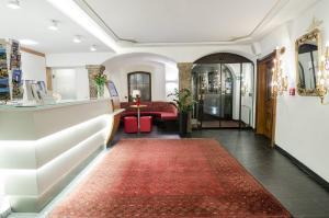Hotel Mondschein, Hotels  Innsbruck - big - 49