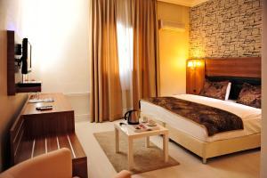 Tanik Hotel, 35000 Izmir