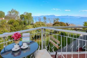 Lake View Dream Apartment - AbcAlberghi.com