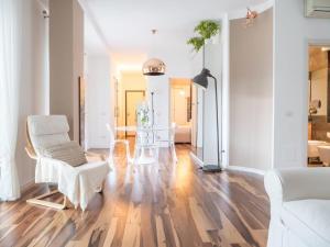 Bright flat with terrace in Repubblica - AbcAlberghi.com