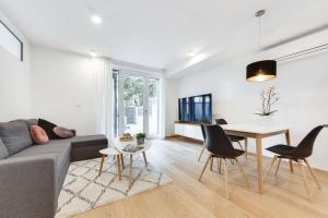 Central Apartment with Private Garage