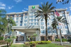 Holiday Inn Express & Suites S Lake Buena Vista, an IHG Hotel