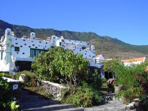 La Brujita, Frontera