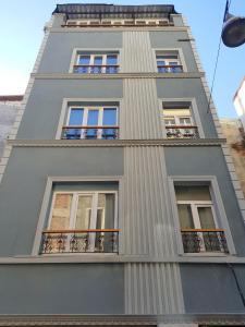 Renao Suite 1
