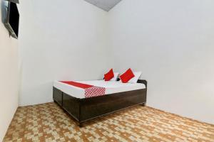 __{offers.Best_flights}__ SPOT ON 48967 Hotel Hari Taj