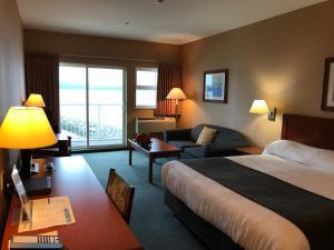 Beach Gardens Resort and Marina - Accommodation - Powell River