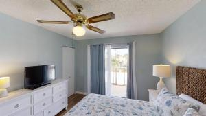 Ponce Landing 53: Cute and Beachy 2 bedroom condo with beach access, heated pool and garage condo, Apartmanok  Coquina Gables - big - 7