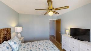Ponce Landing 53: Cute and Beachy 2 bedroom condo with beach access, heated pool and garage condo, Apartmanok  Coquina Gables - big - 8