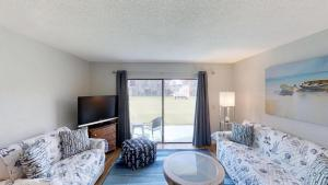 Ponce Landing 53: Cute and Beachy 2 bedroom condo with beach access, heated pool and garage condo, Apartmanok  Coquina Gables - big - 16