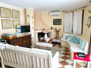 Apartment with 2 bedrooms in Case Peschiera lu Fraili with wonderful sea view and enclosed garden 2 km from the beach