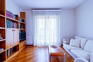 Home La Quiete. Two Bedrooms, 250m from the Beach - AbcAlberghi.com