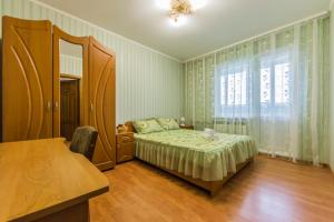 Уютная, просторная видовая трехкомнатная квартира возле метро Академгородок на 6 мест
