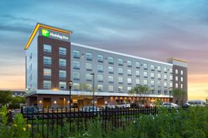Holiday Inn Boston Logan Airport - Chelsea, an IHG Hotel