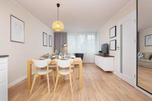 Apartments Warsaw Królewska by Renters