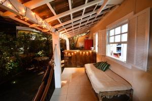 DoMar Hostel & Suites