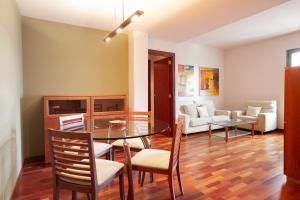 Akira Flats Sant Antoni Market apartments