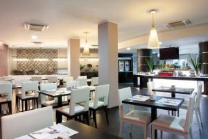 Holiday Inn Genoa City - AbcAlberghi.com