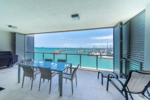 Private Seaview Apartment at Peninsula - Airlie Beach