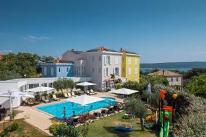 Rooms with a swimming pool Nerezine, Losinj - 18033