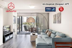 Art-Inspired, Designer APT in the vibrant area