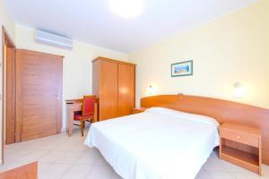 Holiday home Viale Gaetano Genghini - AbcAlberghi.com