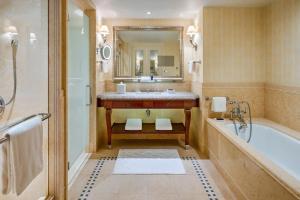 Four Seasons Hotel Lion Palace (13 of 63)
