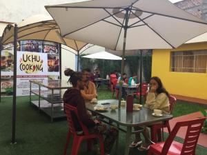 Sambo's Hostel & Activities