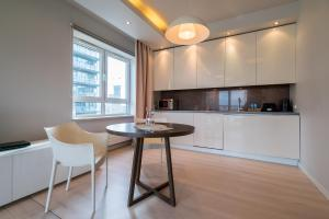 Green Wood Apartments Platinum Towers
