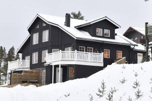 Hus med 6+2 bäddar med Ski-in ski-Out läge i Idre - Hotel - Idre Fjäll