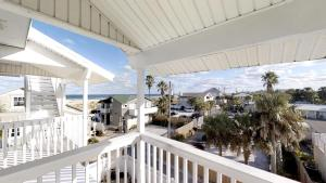 3 1St Street- Sea View Home, Case vacanze  Coquina Gables - big - 31