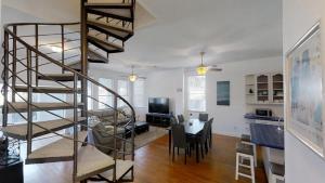 3 1St Street- Sea View Home, Dovolenkové domy  Coquina Gables - big - 33
