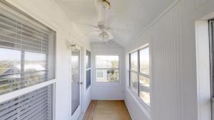 3 1St Street- Sea View Home, Dovolenkové domy  Coquina Gables - big - 25