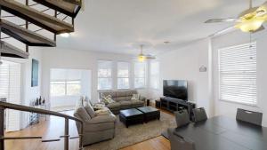 3 1St Street- Sea View Home, Dovolenkové domy  Coquina Gables - big - 26