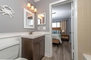 Ocean Villas 11 Condo, Apartments  Coquina Gables - big - 20